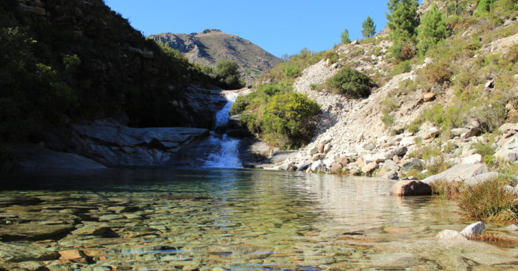 7 lagoons waterfall geres