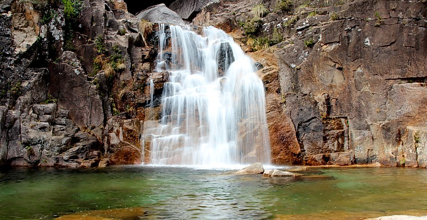 tahiti waterfall geres